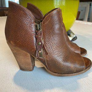 Mia Leather Brown Shoetie Shoe heel Women 7.5